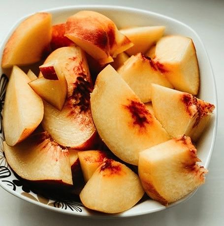 Cardamom Peaches, sliced