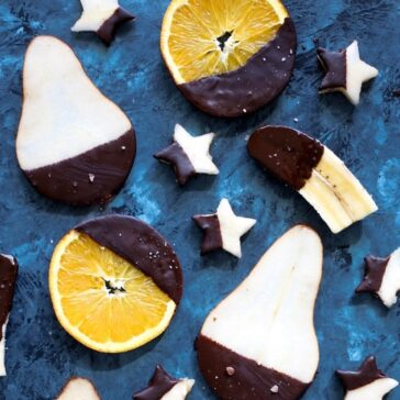 fruit slices dipped in chocolate