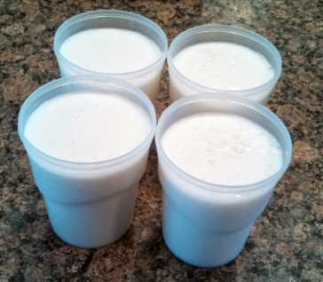 Kefir- Step-6-pour-into-containers